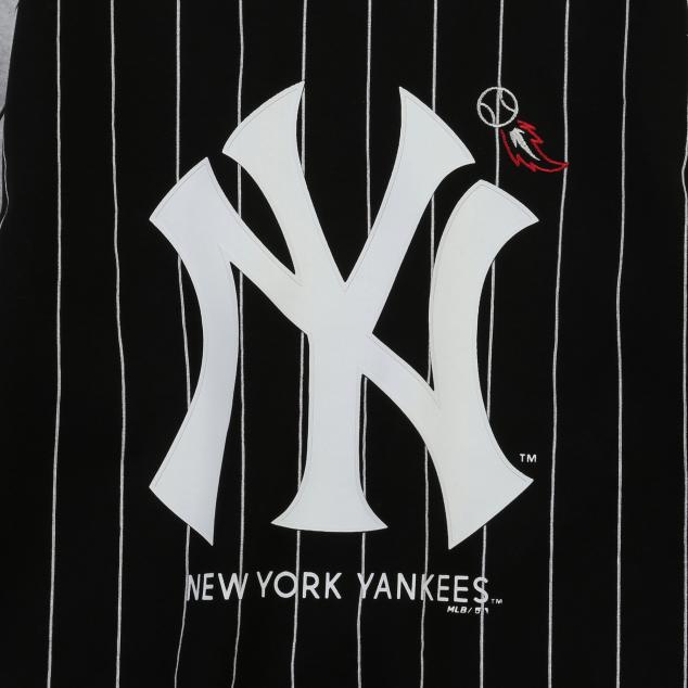 NEW YORK YANKEES UNISEX PIN STRIPE SWEATSHIRT