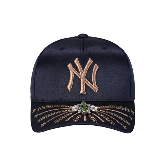 NEW YORK YANKEES GOLD STUD ADJUSTABLE HAT