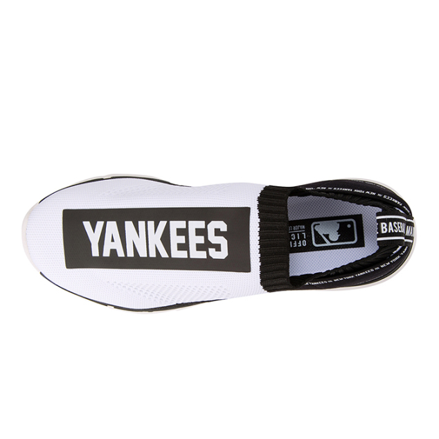 NEW YORK YANKEES SNEAKERS - TECH KNIT CHAMP