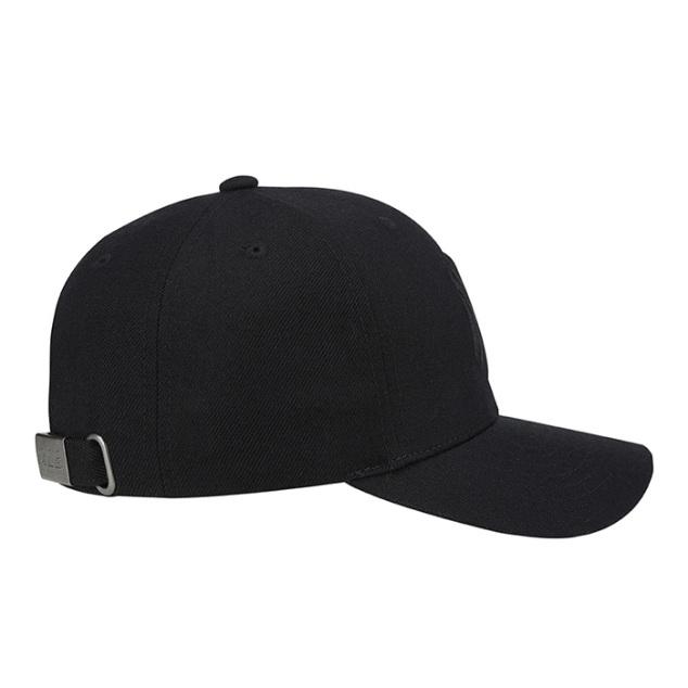 NEW YORK YANKEES ONE POINT LOGO ADJUSTABLE HAT