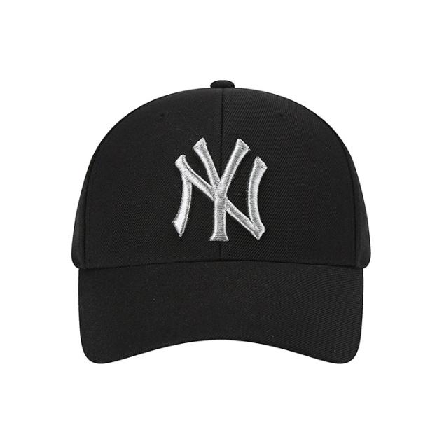 NEW YORK YANKEES SILVER UNDER SCRIPT ADJUSTABLE HAT