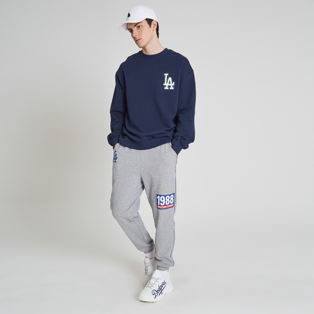 LA DODGERS BIG LOGO SIGNATURE SWEATSHIRT