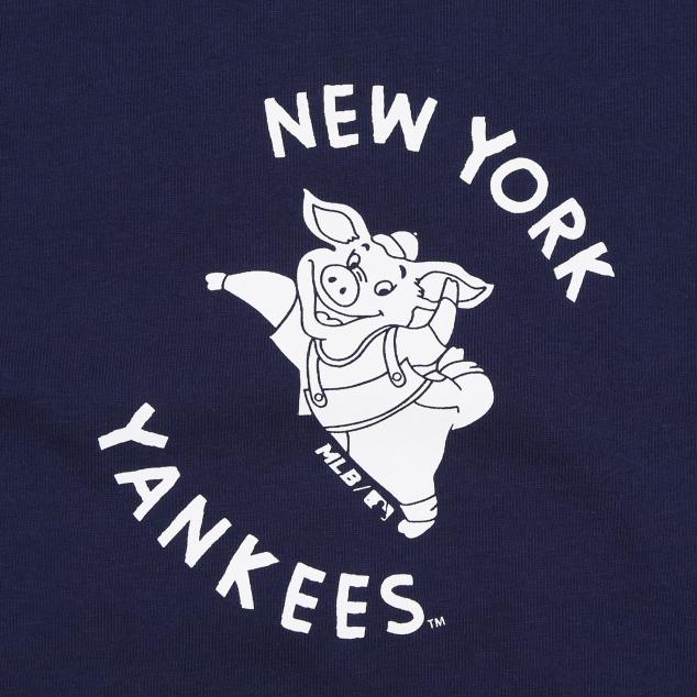 NEW YORK YANKEES LUCKY PIG SHORT SLEEVE T-SHIRT