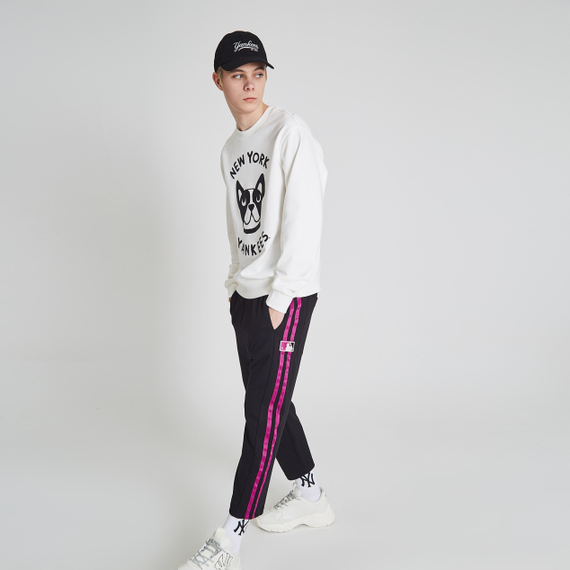 MLB-LIKE PHOTO TAPING CAPRI PANTS