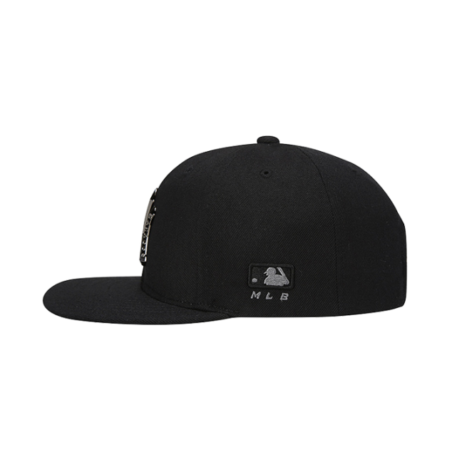 NEW YORK YANKEES METAL ONE-POINT SNAPBACK