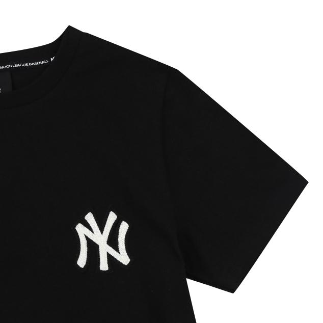 NEW YORK YANKEES BASIC LOGO SHORT SLEEVE T-SHIRT