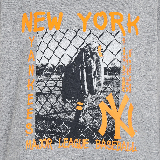 WOMEN'S NEW YORK YANKEES VINTAGE PICTURE HOODIE