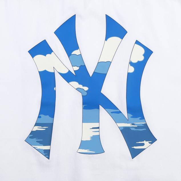 구름해변 프린트 백로고 반팔셔츠 뉴욕양키스