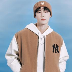모노그램 다이아 프리미엄 패디드 베이스볼 점퍼 뉴욕양키스