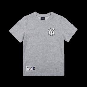 NEW YORK YANKEES BACK BARK PLAYING BASEBALL SHORT SLEEVE T-SHIRT