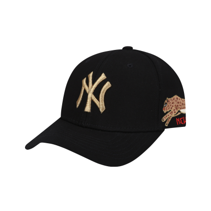 NEW YORK YANKEES BLACK PANTHER SPARK ADJUSTABLE CAP