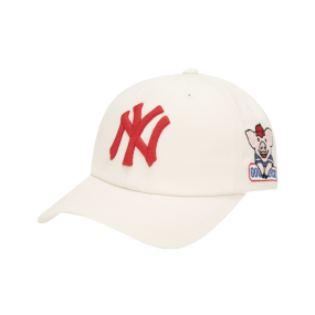 NEW YORK YANKEES HAPPY NEW YEAR LUCKY PIG BALL CAP