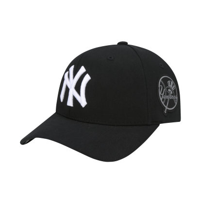 NEW YORK YANKEES ROUND PATCH CURVED CAP