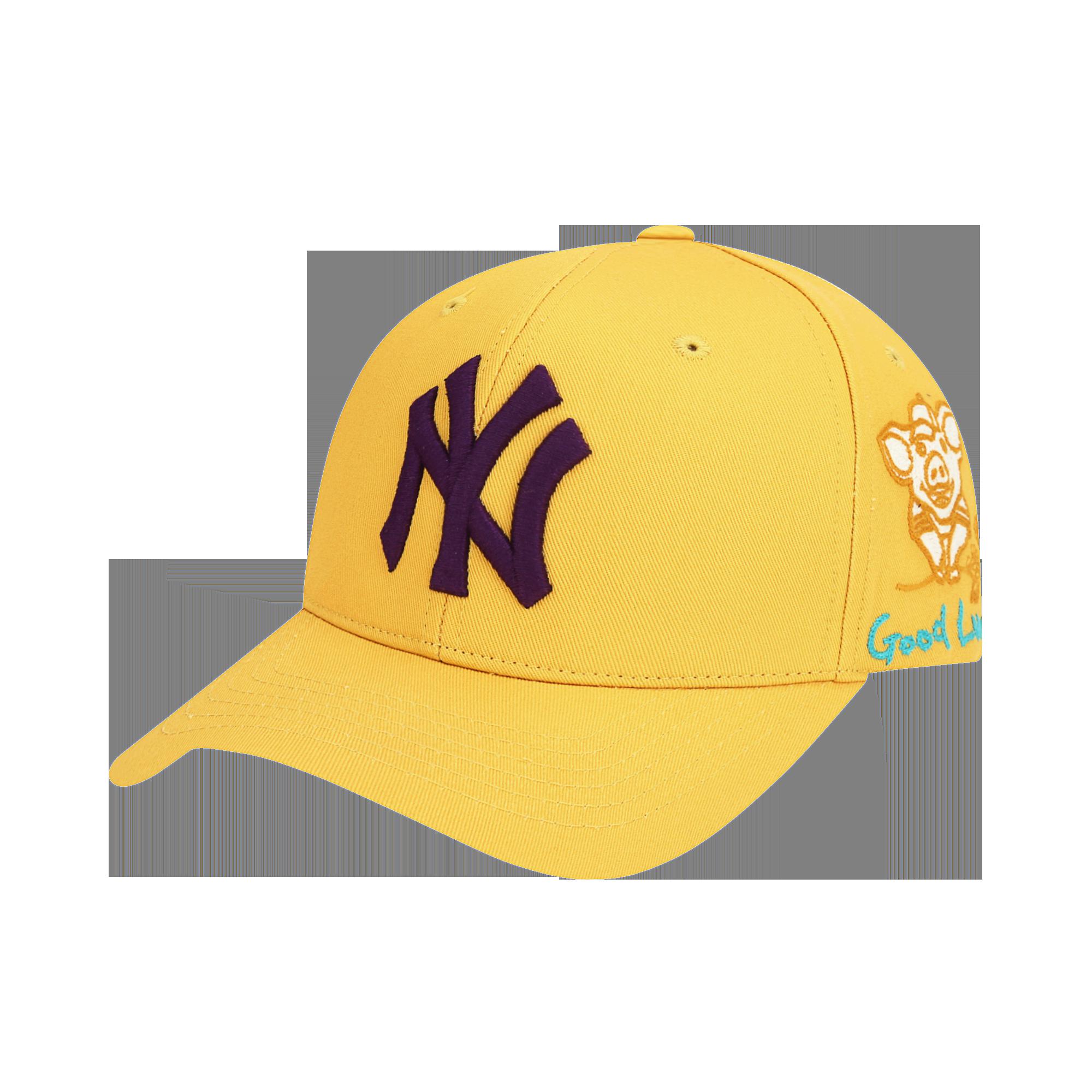 NEW YORK YANKEES GOOD LUCK CHARACTER ADJUSTABLE CAP